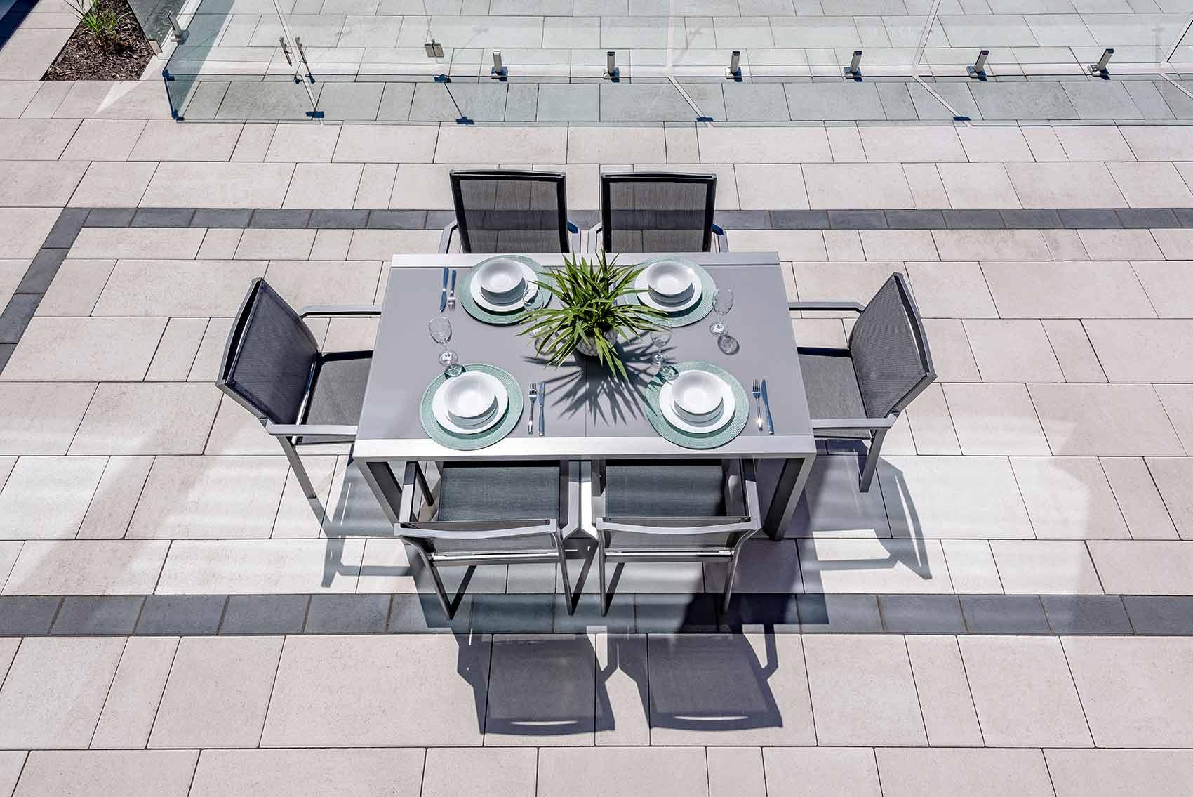 Aménagement extérieur - terrasse en pavé uni